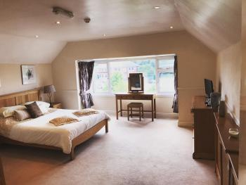 Beldon House - Penthouse Suite