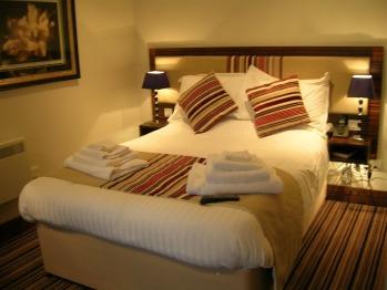 Family room-Ensuite-Deventio -Sleeps 3 - Base Rate
