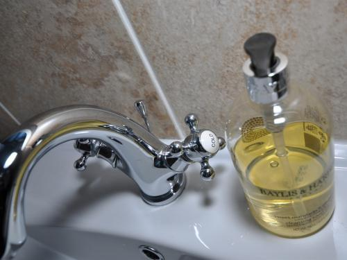 Hand wash before evening meal