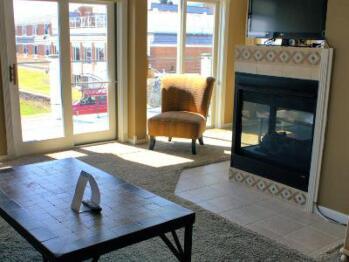 Suite-Ensuite-Suite-1 Bedroom Kitchenette Uni - Base Rate