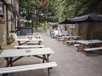 Beer garden & smoking area