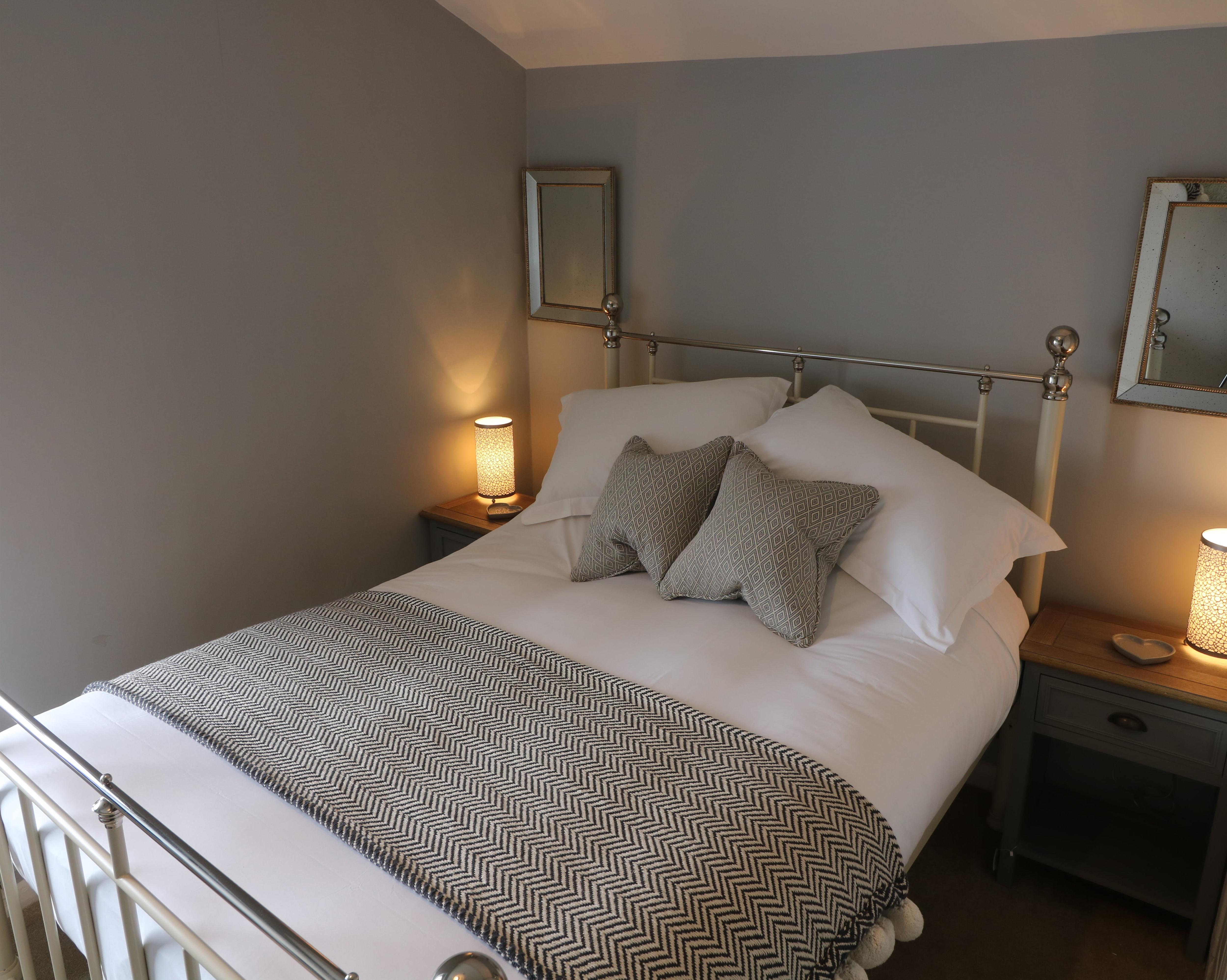 Double room-Standard-Ensuite with Shower-Small