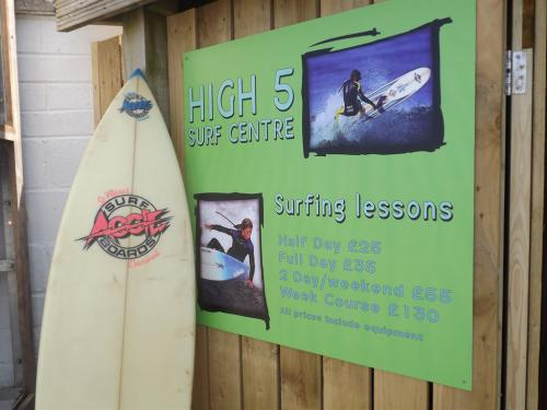 Onsite High Five Surfschool and Surf Hire