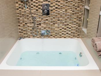 Apartment-Luxury-Private Bathroom-Garden View-Jacuzzi Spa