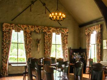 Breakfast/Dining Room