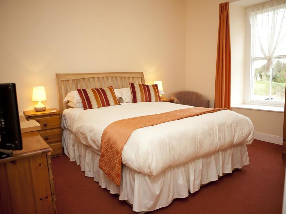 Double room-Standard-Private Bathroom-Separate Bathroom - Base Rate