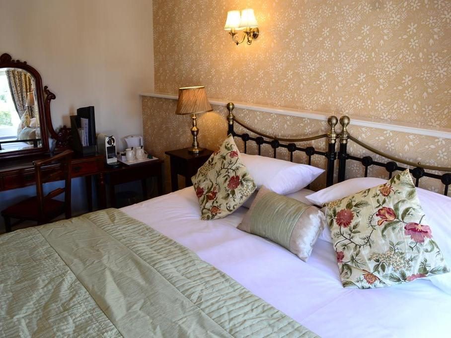Luxury-Double room-Ensuite with Bath-Street View