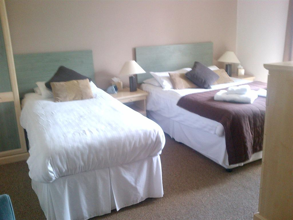 Double room-Superior-Ensuite-Lake View - Base Rate
