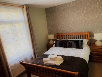 Double room-Large-Ensuite with Shower-Large Double Room