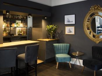 The Bay bar