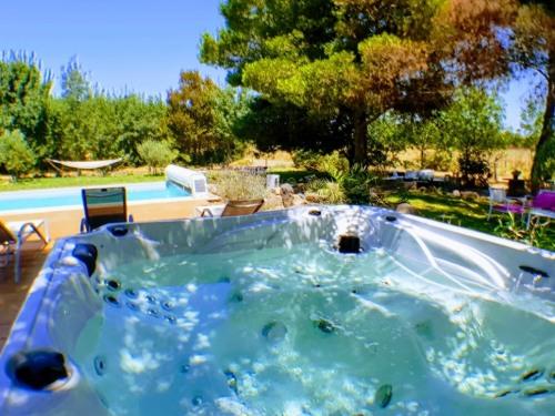 Villa Alyzea, Bessan, France - Toproomscom