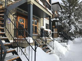 A la Carte B&B, front view in winter