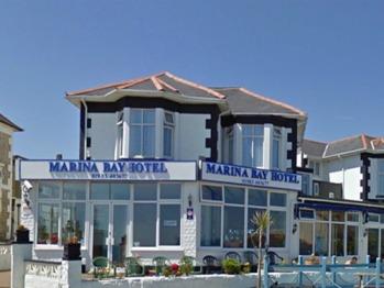 Marina Bay Hotel -