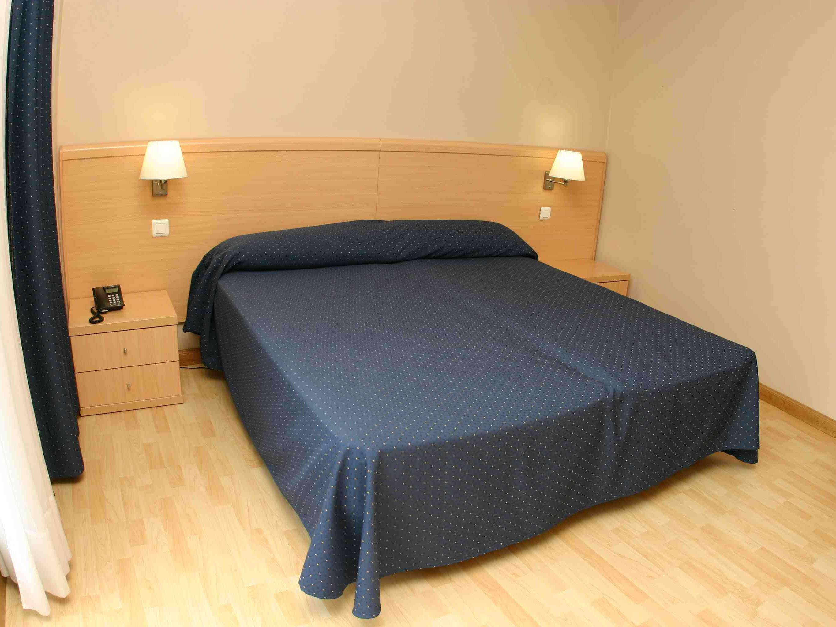 Habitación doble con baño-no reembolsable