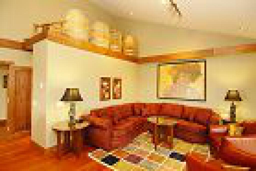 Winemakers Suite-Quad room-Ensuite-Standard - Base Rate