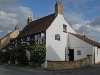 The Blue Cow Inn - Main Exterior view