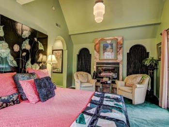 Suite-Ensuite-Standard-Art Deco Suite - Suite-Ensuite-Standard-Art Deco Suite