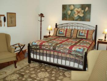 Rm 11 Large room with private deck facing woods