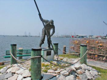 Oyster man statue at the Bulkhead