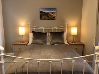 SCSE Modern Apartment - Bedroom 2
