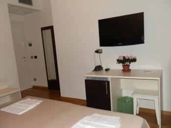 Matrimoniale o doppia-Superiore-Bagno in camera con doccia-Balcone-Guglielmo Marconi - Tariffa di base