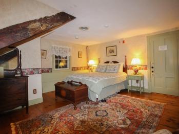 Clove Room