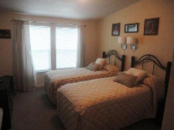 Double or Twin-Ensuite-King-Slopeside-Room # 1  (Gold) - Double or Twin-Ensuite-King-Slopeside-Room # 1  (Gold)