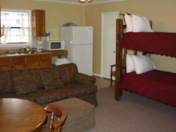 Farm House Duplex - 1 bedroom Hogue West