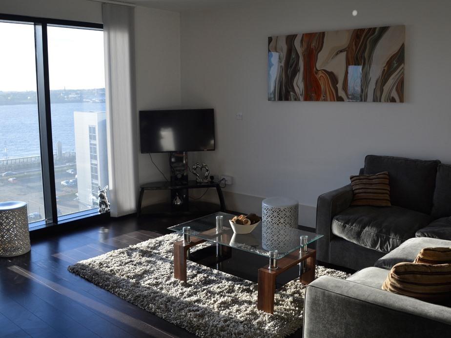 Apartment-Private Bathroom-Liverpool City Apartment