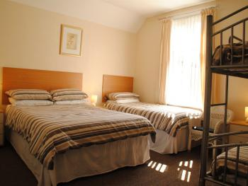 Family-Ensuite-5 Persons