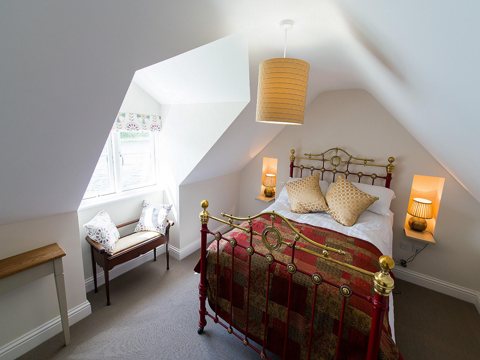 Double room-Family-Private Bathroom-Double Bed and Sofa Bed - Base Rate