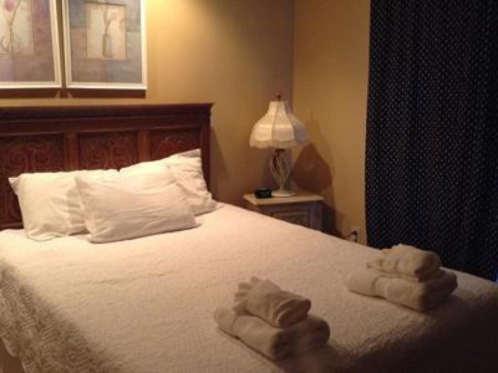 Duplex-Shared Bathroom-Large-Park View-3 Bedroom Hogue East