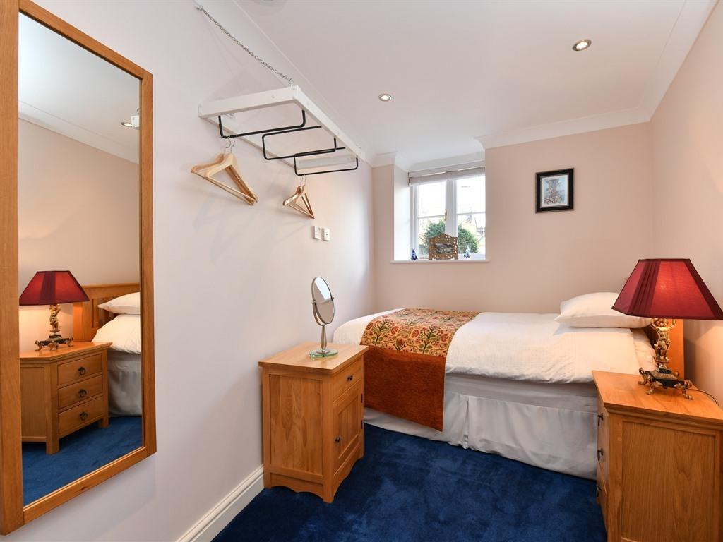 Single room-Comfort-Wet room
