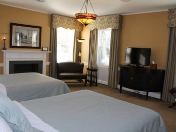 321 - Lustig Room-Suite-Suite-Ensuite-Park View