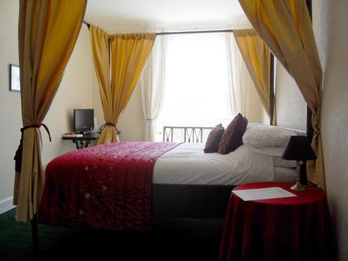 Double room-Superior-Private Bathroom-Four Poster