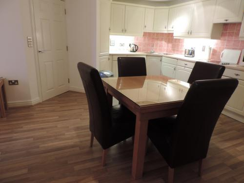 Open plan dinning room and kitchen