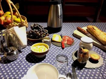 petit déjeuner avec les fruits du verger
