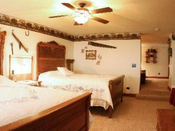 Country Suite-sleeps 5