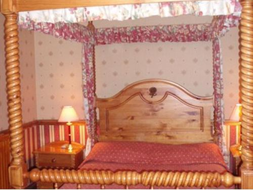 Double room-Ensuite-Four Poster