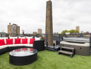 Roof Terrace with Hot Tub