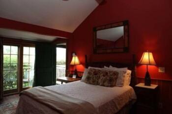 Superior East Lodge room