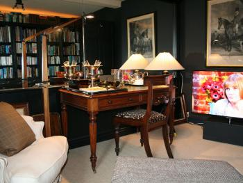 Library Sitting Room in the Cavalier Suite