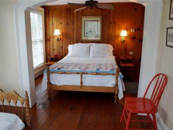 Triple room-Private Bathroom-Standard-Woodland view-Room 1