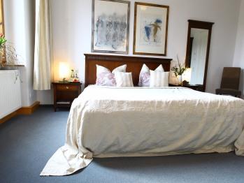 Doppelzimmer-Exklusiv-Ensuite Dusche-Gartenblick-Schloss 203