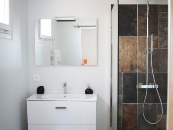 Salle de bains Chambre rez de chaussée n°2