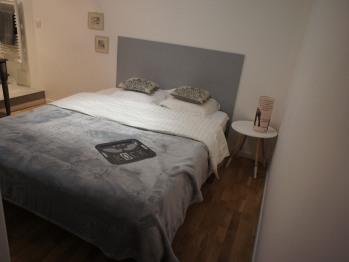 Appartement-Salle de bain Privée-pont Péri-Rez de chaussée