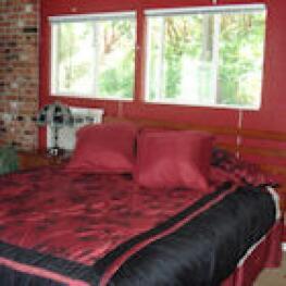 Quad room-Ensuite-Mountain View-Red Rose