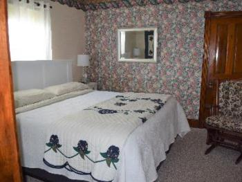 Room 2 King Suite-Suite-Ensuite-Standard