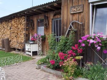 Biergarten Zum Adler Holzhütte