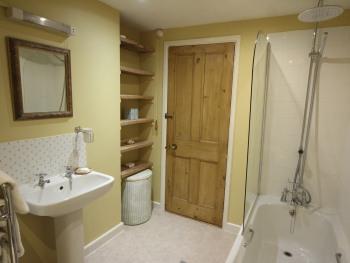 The Wheelwrights bathroom